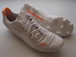 PUMA evoPOWER 1.2 Leather FG Firm Ground Soccer Cleats, Whit