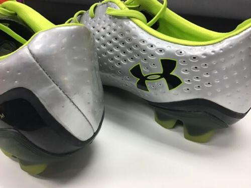 Under Armour Soccer Cleats / Black Size Box