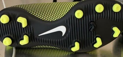Nike Size 10C Soccer Shoes Yellow
